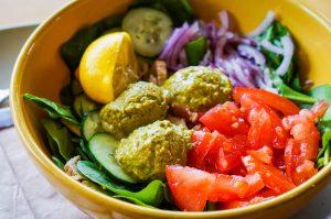 цветна салата за обяд