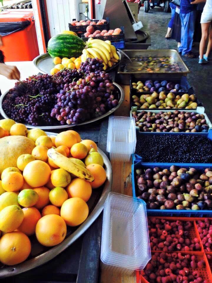 Фабрика за храна и танци, плодове