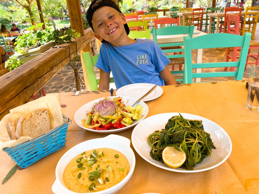обяд-в-гръцка-таверна-rawfood.bg.jpg
